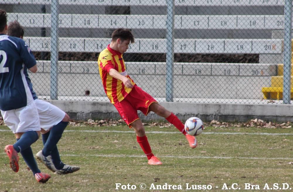 Nicolò Mulatero segna il gol dell´1-0 sul Pinerolo